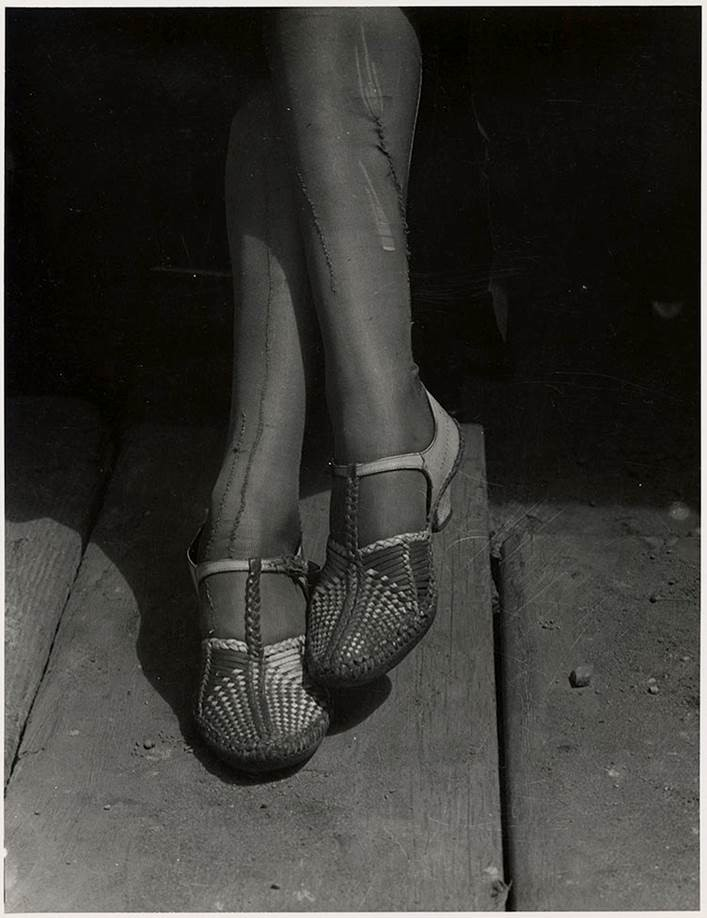Mended Stockings, Stenographer, San Francisco, 1934